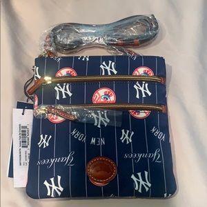 Yankee triple zip cross body bag